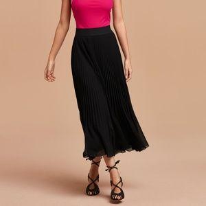Aritzia Wilfred Terre Midi Skirt in Black